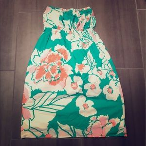 Lilly Pulitzer strapless dress.
